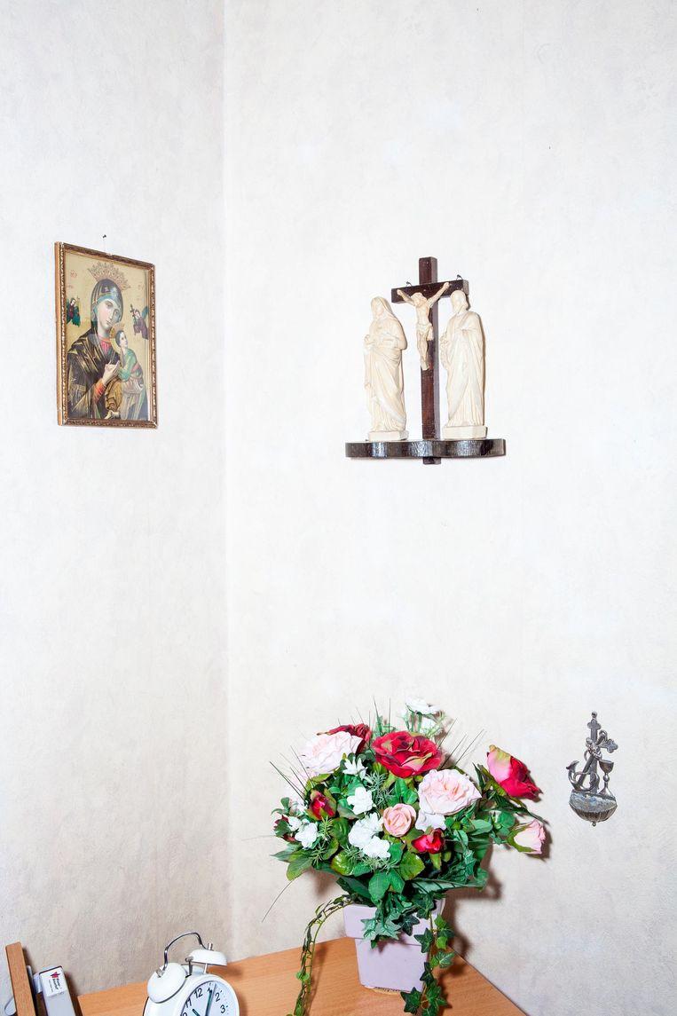 Annie Gieling schrijft brieven aan de paus. Beeld Marie Wanders / de Volkskrant