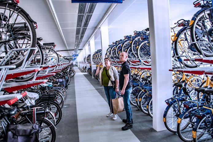 Het fietsenhotel bij het NS-station in Tilburg.