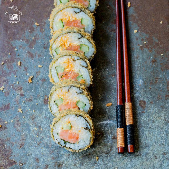 Tempura roll met pittige zalm.