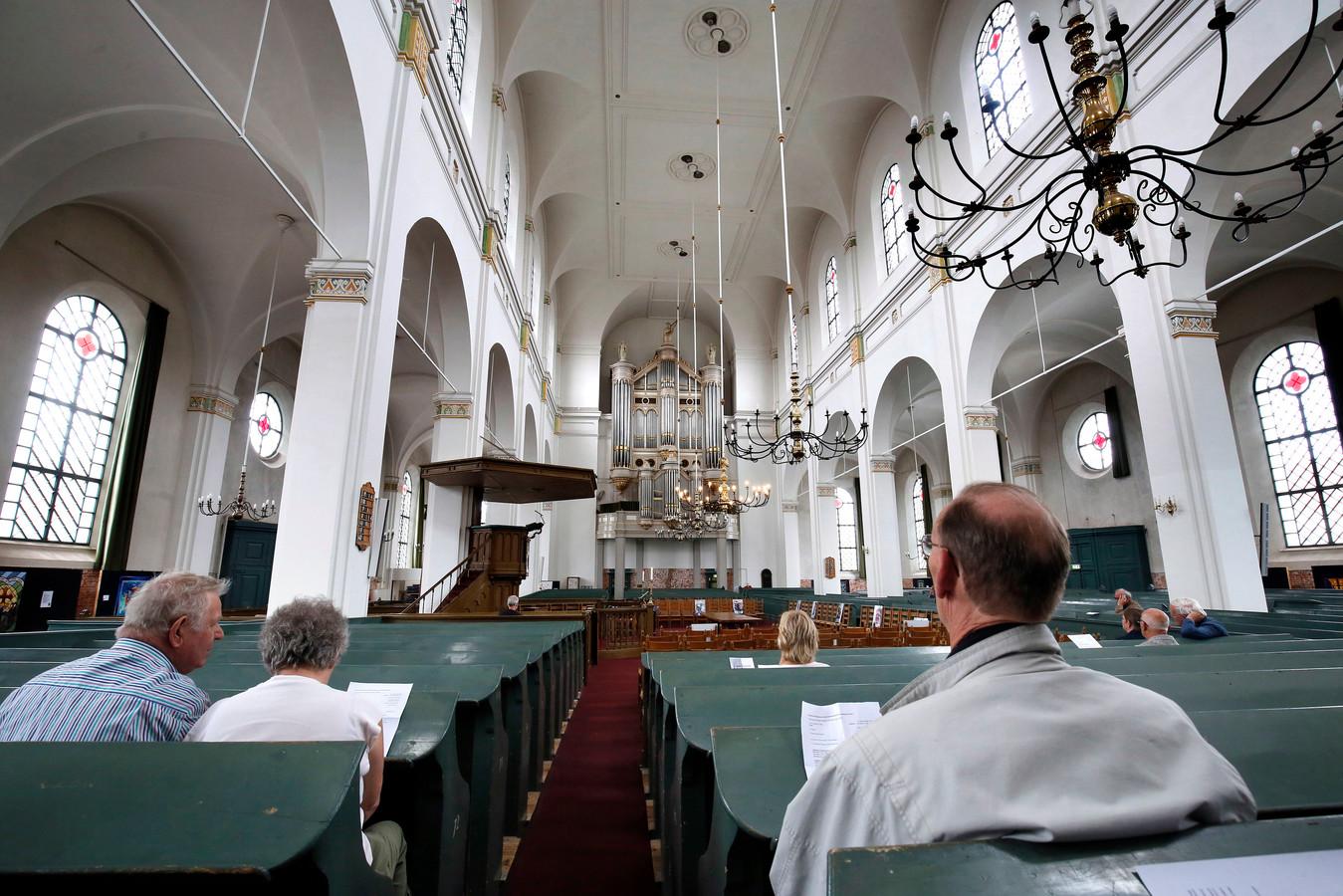 Dominee Maarten Klaassen, één van de initiatiefnemers van de Nederlandse versie van de Nashville-verklaring, zou zondagmorgen de dienst in de Grote Kerk voorgaan.