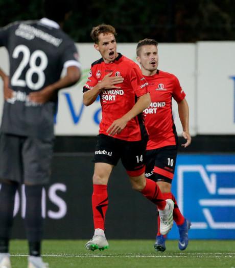 Helmond Sport pakt met moeite een punt tegen tiental Almere City