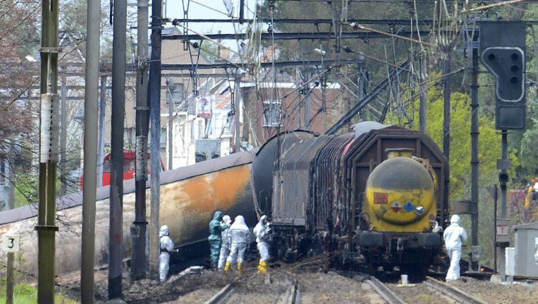 De ontspoorde trein bij Wetteren. Beeld afp