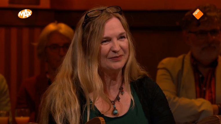 Mevrouw Van Den Broek tijdens Met het Mes op Tafel. Beeld NPO