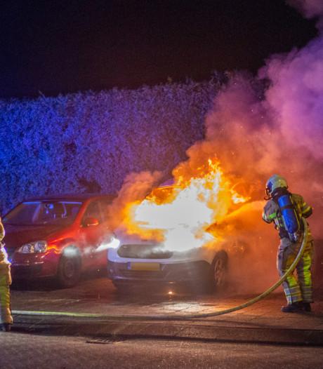 Auto in vlammen op in Wilnis
