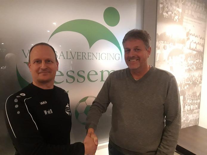 Trainer Waldo van den Besselaar (l) en voorzitter Frans Maas van Vessem.