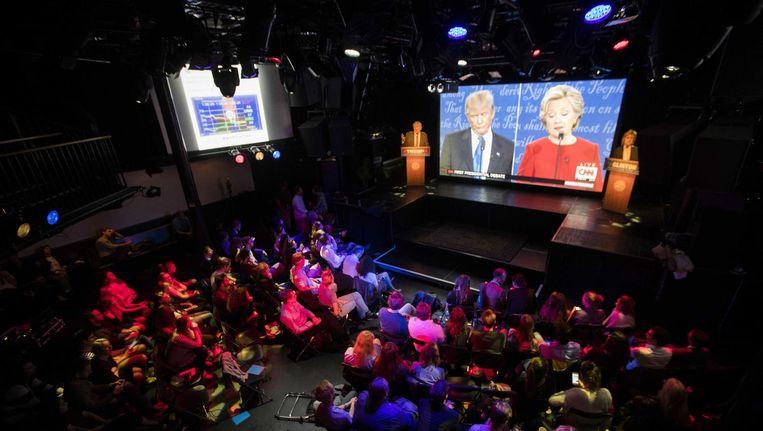 Het lijkt af en toe wel een comedyshow, met het publiek als lachband Beeld Jeroen Jumelet