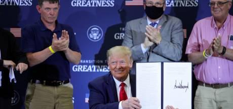 Trump dreigt weer met heffing op Europese auto's, nu vanwege de Amerikaanse kreeft