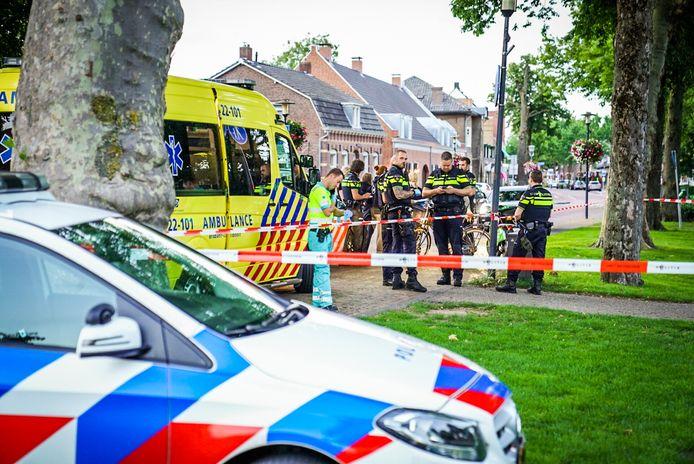 Een 49-jarige man uit Aarle-Rixtel werd donderdagavond in het Park in Nuenen mishandeld.