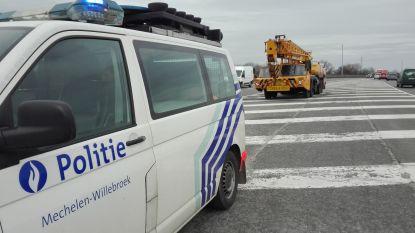 Drie vrachtwagens niet in orde, politie int 2.550 euro aan boetes