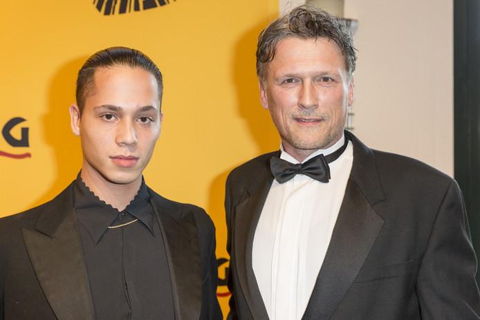 Met zoon Dylan tijdens de musicalpremière van The Lion King, vorig jaar in Scheveningen.