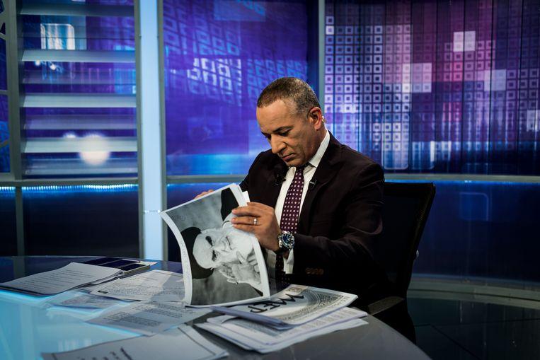 Ahmed Moussa, de populaire talkshowpresentator inEgypte werd een tijd van de televisie gehaald omdat hij te veel informatie had gegeven  over een aanslag. Beeld Foto Getty