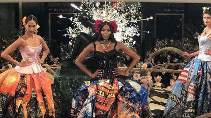Zien: topmodellen Naomi Campbell, Karlie Kloss en Joan Smalls in de meest extravagante haute couture van Dolce & Gabbana