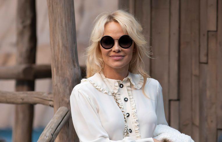 ... Alsook Pamela Anderson.