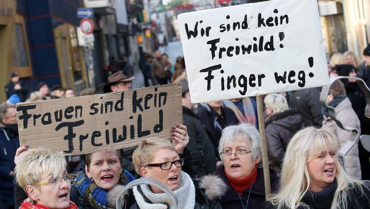 Demonstraties in Hamburg na de aanrandingen in Keulen. Beeld afp