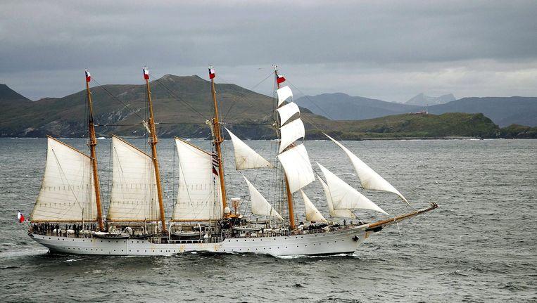 De Esmeralda, het stalen zeilschip van de Chileense marine, doet Nederland aan tijdens een zeiltocht langs buitenlandse steden. Beeld anp
