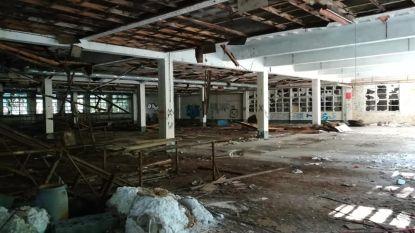 FOTO'S: Nog een laatste blik voor voormalige nylonkousenfabriek tegen de grond gaat