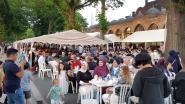 """1.500 bezoekers op Iftar in Eisden: """"Opmars Vlaams Belang of niet, wij blijven bruggen bouwen"""""""