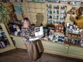 Rens en Wilma passen natuurgeneeskunde toe in hun winkel: 'Het voorportaal van geluk en gezondheid'