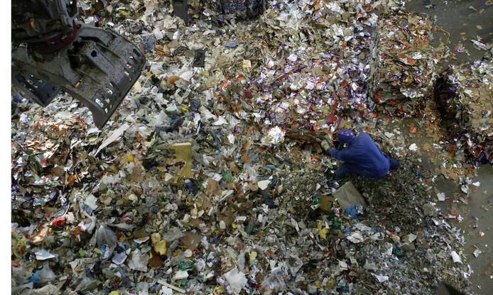Gesorteerd afval bij het vuilverbrandingsbedrijf AVR.