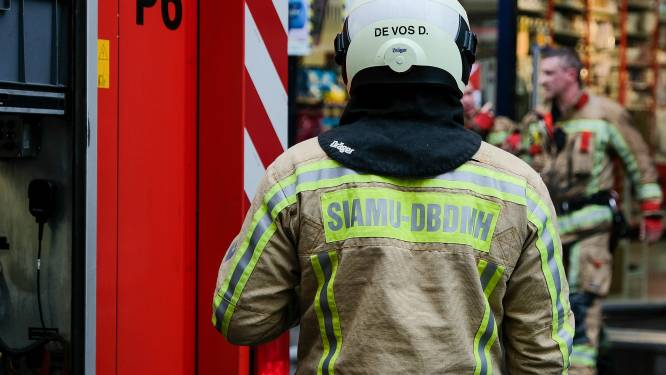 Brandweer sluit twee ontsmettingslijnen