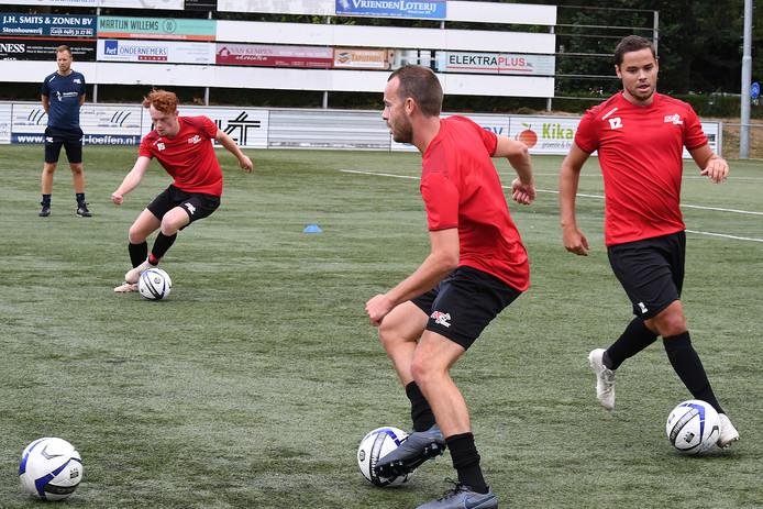 De selectie van JVC Cuijk begon afgelopen weekeinde met trainen voor het nieuwe seizoen.
