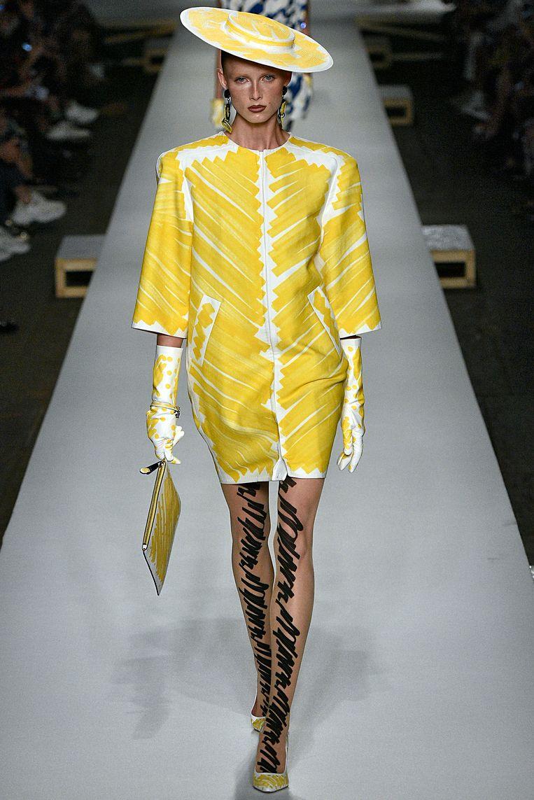 Strak gesneden jurken bij Moschino. Beeld Getty Images