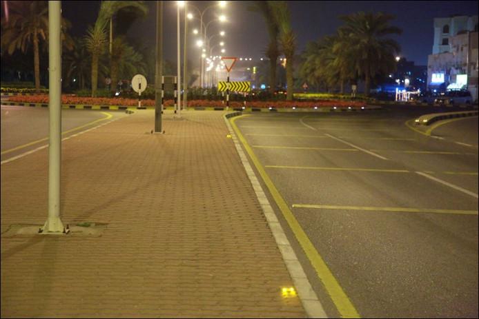 De rotonde in Muscat met reflectoren van Fijen.
