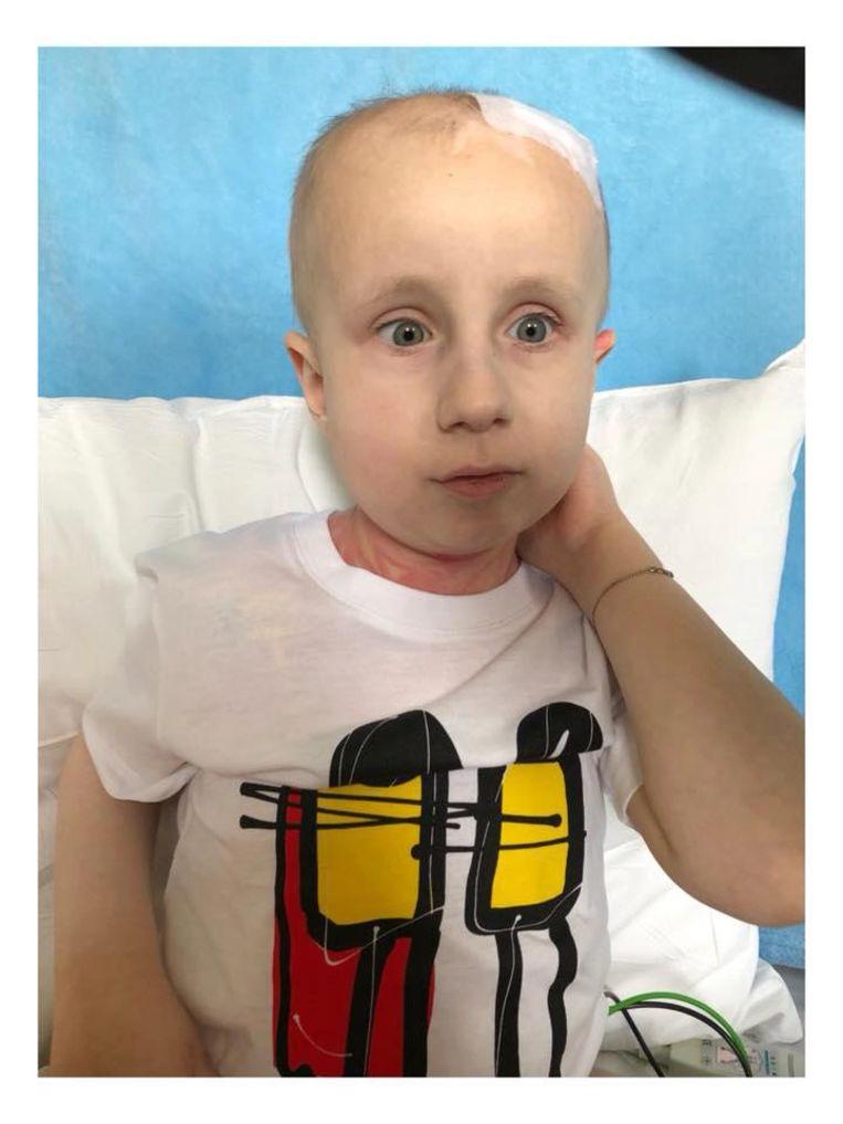 Ook Gilles zelf heeft in het ziekenhuis al een T-shirt aangedaan.