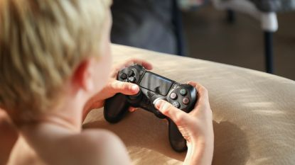 """Lockdown zorgt voor meer vragen over gameverslaving: """"Tijdelijk meer gamen is geen probleem, maar het mag geen gewoonte worden"""""""