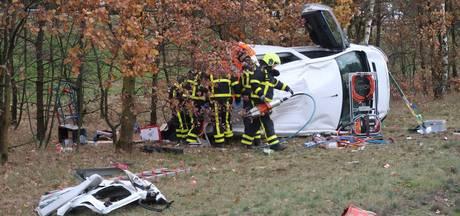 Personen bekneld bij  groot ongeluk op A2, weg tot 12.00 uur dicht