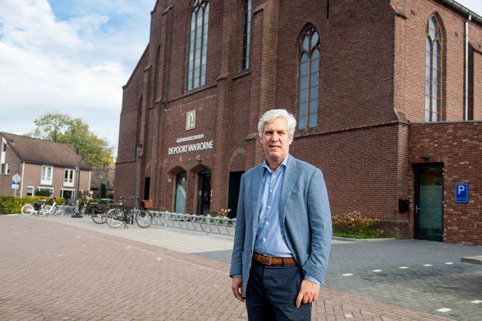 Voorzitter Erik Mijnhardt  van TAO-UA, waarin 66 Twentse apotheken zijn vertegenwoordigd.