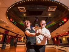 Nostalgie bij dansschool Dwars in Haaksbergen: 'Iedereen stóóf de dansvloer op'
