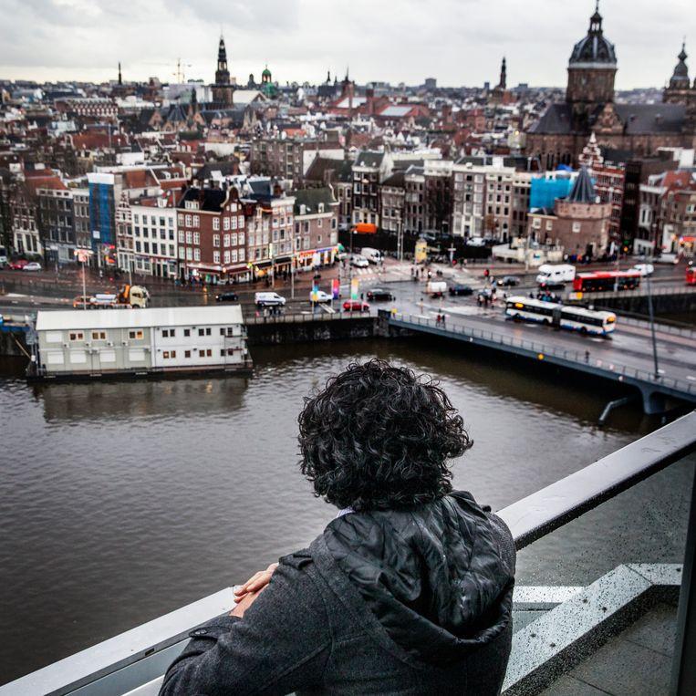 Aziz werd in 2017 in het Amsterdamse debatcentrum De Balie herkend door andere Syrische vluchtelingen. Beeld null