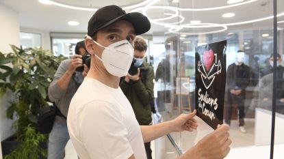 """Kums en Trebel schenken plexiglas aan rusthuis zodat bewoners kunnen communiceren: """"Die mensen hebben het hard nodig"""""""