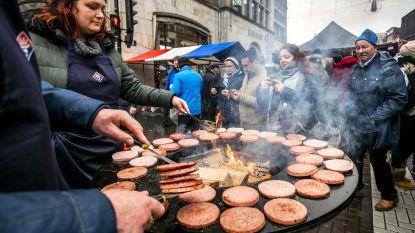 """Hamburgers in alle soorten moeten in Kortrijk 130 nationaliteiten naar nieuwjaarsreceptie lokken: """"We zijn àllemaal Kortrijkzanen"""""""