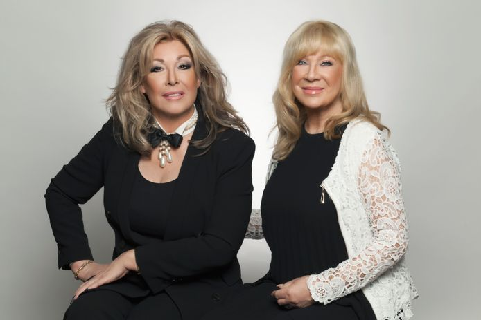 Betty de Groot en Mary Borsato presenteren Borsato's Budget Bruiloft.