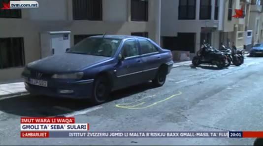 De onfortuinlijke Nederlander kwam naast een geparkeerde auto terecht.