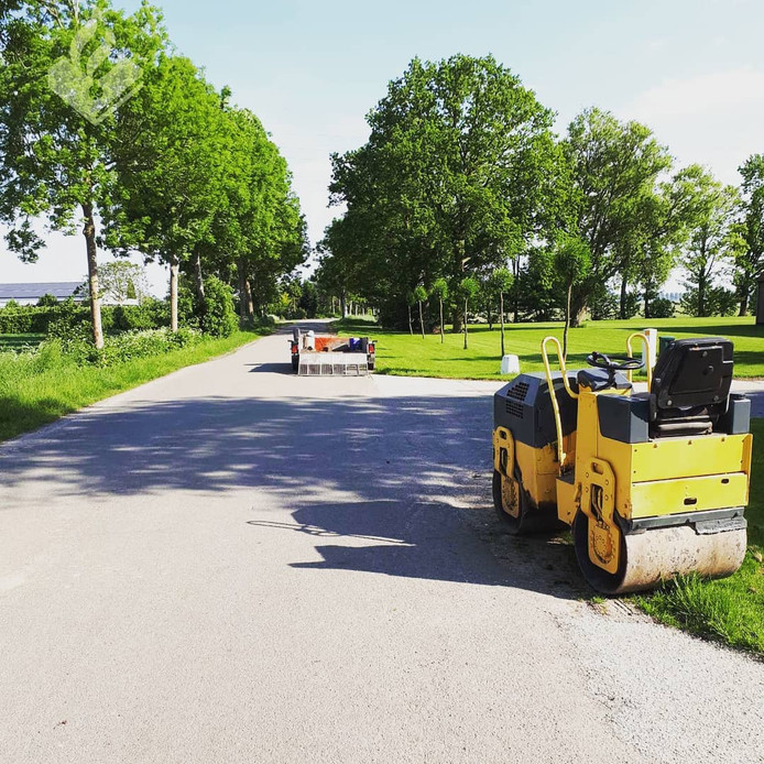 De politie waarschuwt voor Engelse asfalteerders.