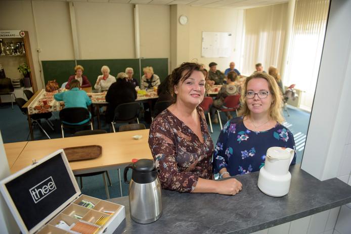 Mieke van de Donk (l) en Wendy van Daal.