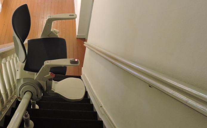 Wie bijvoorbeeld een traplift nodig heeft, kan daarbij een hulp van een onafhankelijke ondersteuner krijgen.