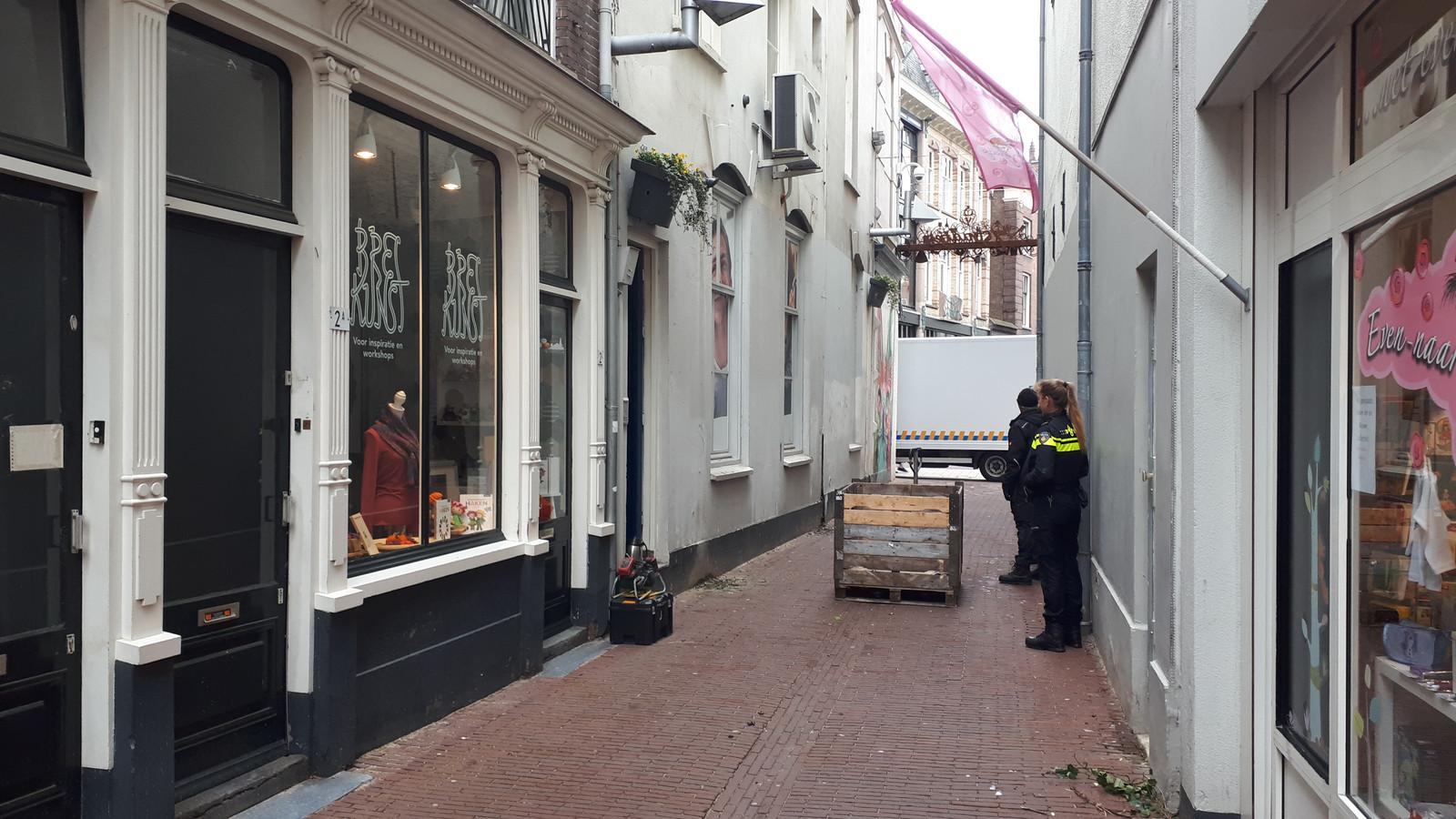 Hennepkwekerij in Wielakkerstraat in Arnhem.