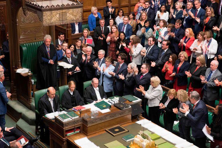 John Bercow krijgt een staande ovatie na het bekendmaken van zijn aanstaande vertrek.  Beeld AFP
