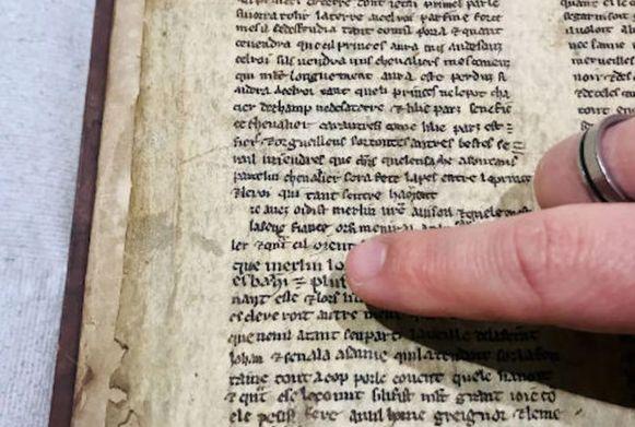 Vroeger werden oude teksten wel vaker hergebruikt als boekenkaft.