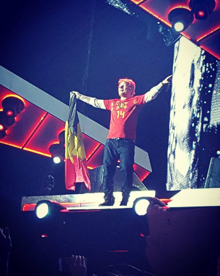 Ed Sheeran met truitje Dries Mertens Rode Duivels en Belgische vlag Werchter festivalpark 1 juli 2018 Instagram