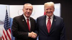 Donald roept America first, maar hij bedoelt 'Trump First'