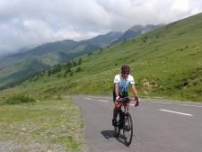 Koos geniet van klimmen en dalen: col na col na col na col