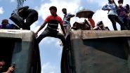 Schokkend: Zo nemen ze de trein in Bangladesh