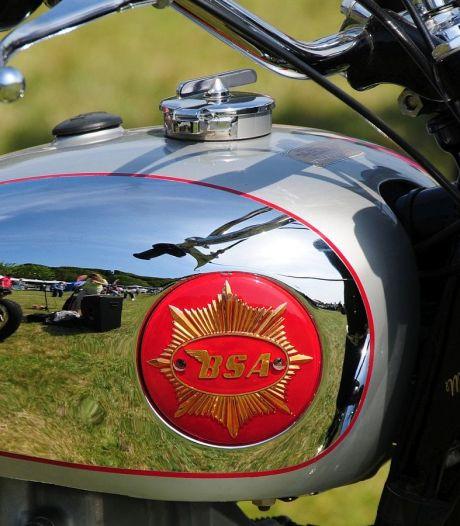 Oerend hard: legendarisch motorfietsmerk uit nummer van Normaal weer tot leven gewekt