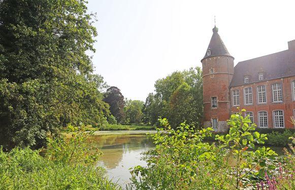 Het Kruikenburgpark met historisch kasteel