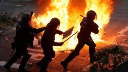 Meer dan half miljoen vreedzame betogers in Barcelona, rellen en branden bij aparte manifestatie
